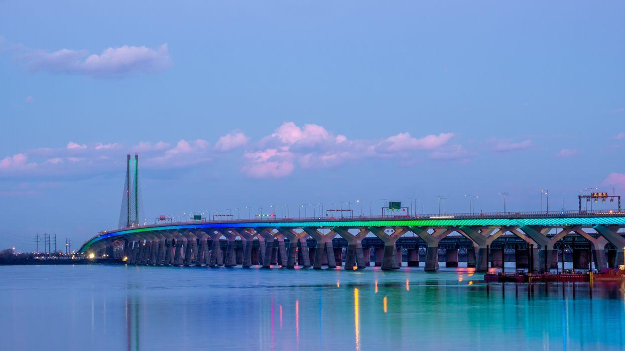 The Champlain Bridge Will Shine Like A Rainbow Tonight To Celebrate The End Of Curfew