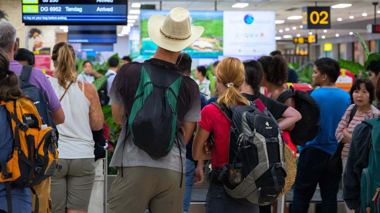 Americans Somehow Ranked More Polite Travellers Than Canadians