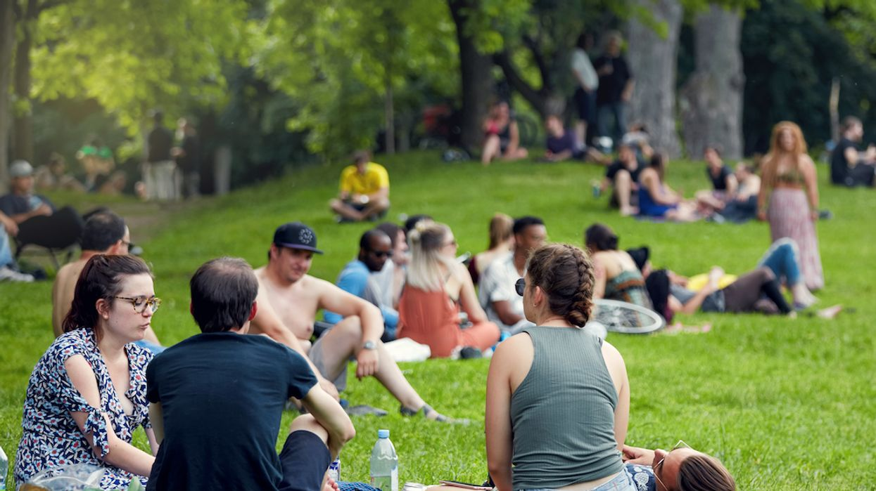 Everything You Need To Know About Drinking In Montreal Parks