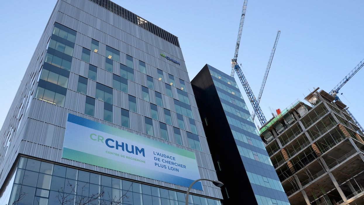 Another Crane Has Crashed Into The CHUM Hospital In Downtown Montreal (Photos)