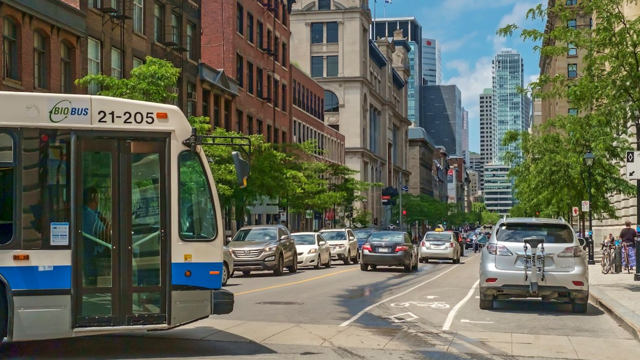 """STM Bus Passengers In Montreal Got Violent Because The Driver Was """"Too Slow"""""""