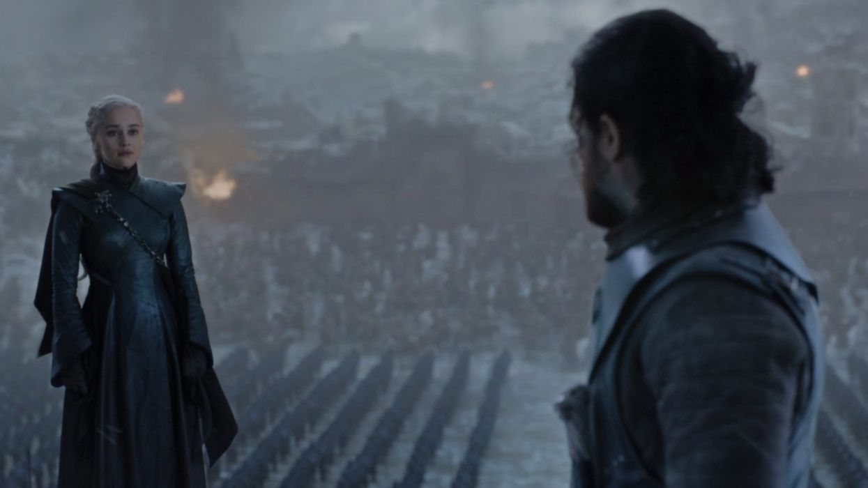 Two Water Bottles Spotted In Game Of Thrones Finale Proves Yet Again This Season Was Rushed