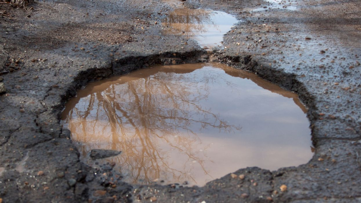 You Can Get Fined Up To $2,000 For Filling In A Pothole In Montreal