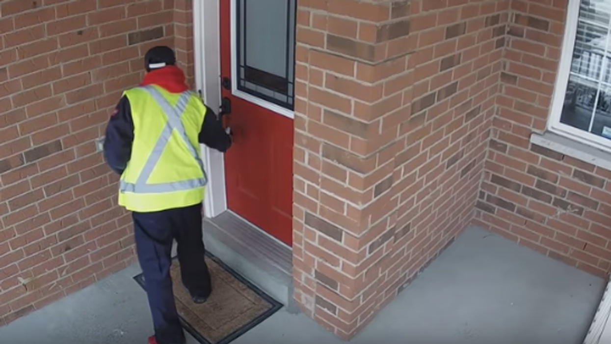 Doorstep Video Catches Canada Post Delivery Man Intentionally Failing To Drop Off A Package Without Even Knocking