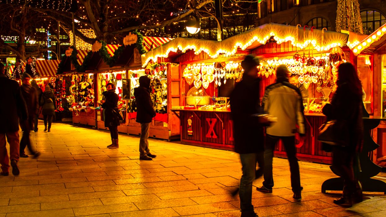 """Montreal's Atwater Market Is Transforming Into A Magical Nighttime """"Christmas Village"""" This Holiday Season"""