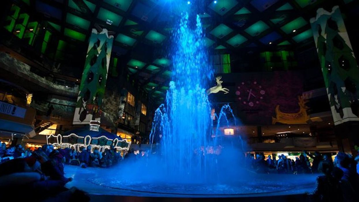 """Downtown Montreal Is Going To Host Free """"Dancing Water Fountain Shows"""" For The Holidays"""