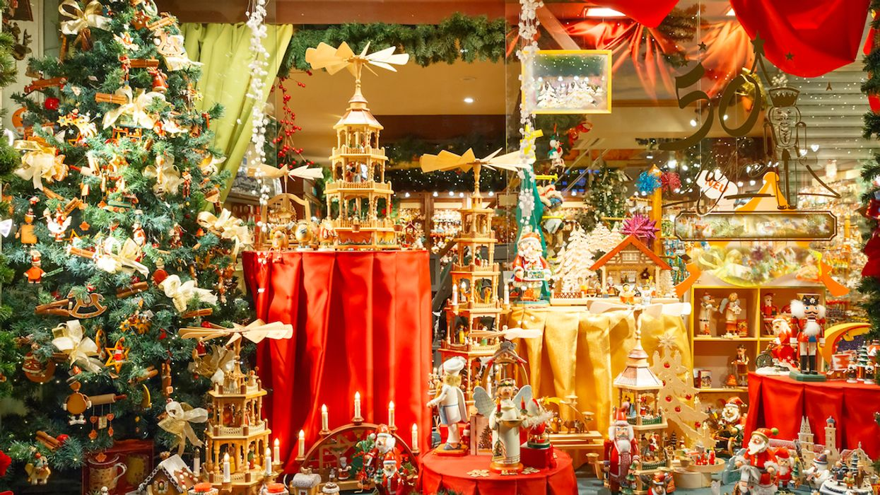 """Montreal Is Hosting A Massive """"Vintage Christmas Market"""" This Holiday Season"""