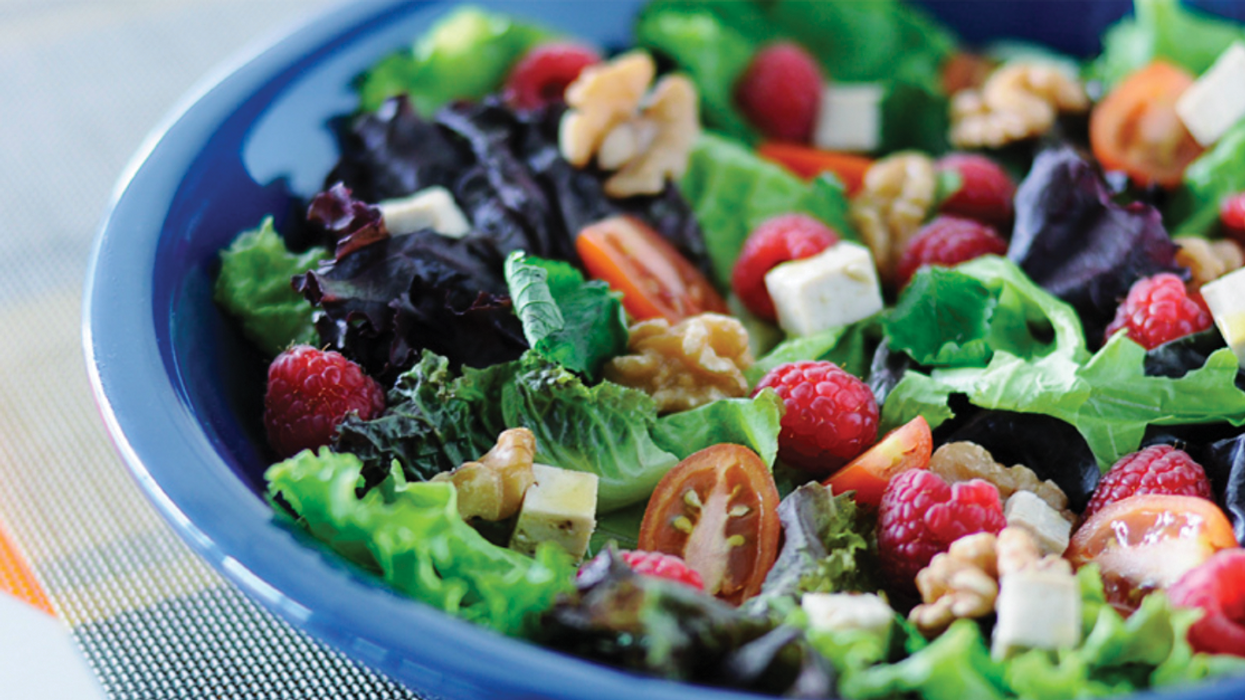 Massive Recalls On Salad Due To A Listeria Outbreak Are Happening All Across Canada's East Coast