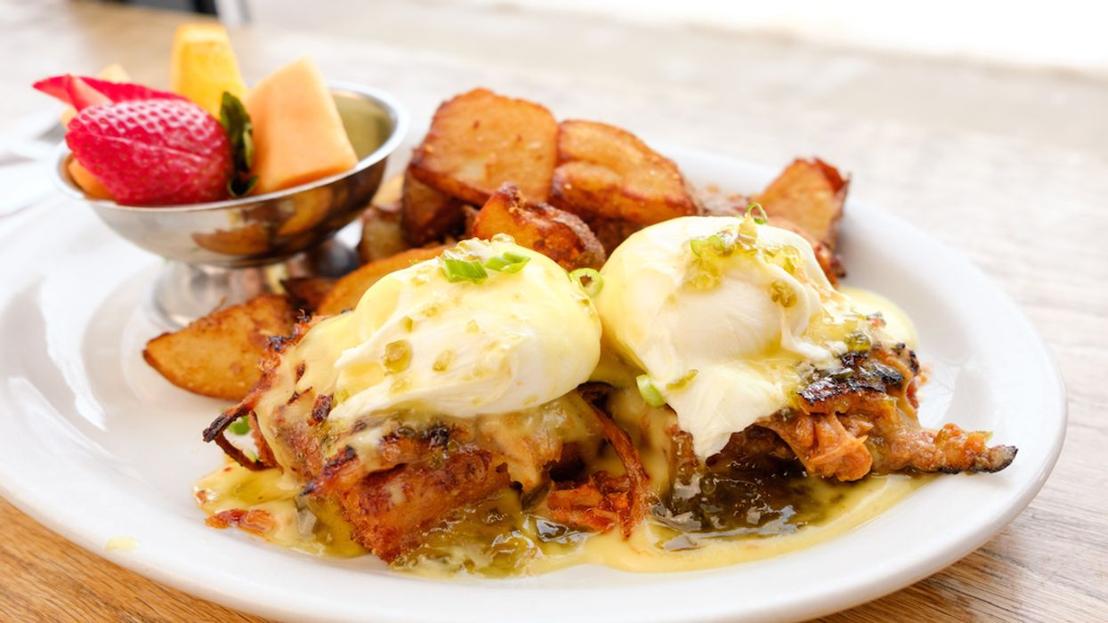 You Can Get Fried Mac 'N' Cheese Eggs Benedict At This Montreal Restaurant