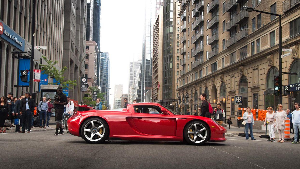 Super Rare $1,000,000 Porsche Carrera GT Spotted Driving Downtown Montreal (Photos)