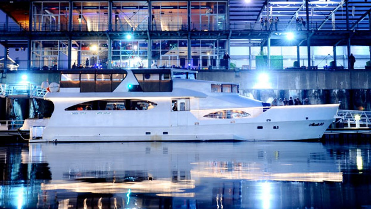 You Can Rent This Luxurious Party Yacht By The Hour In Montreal