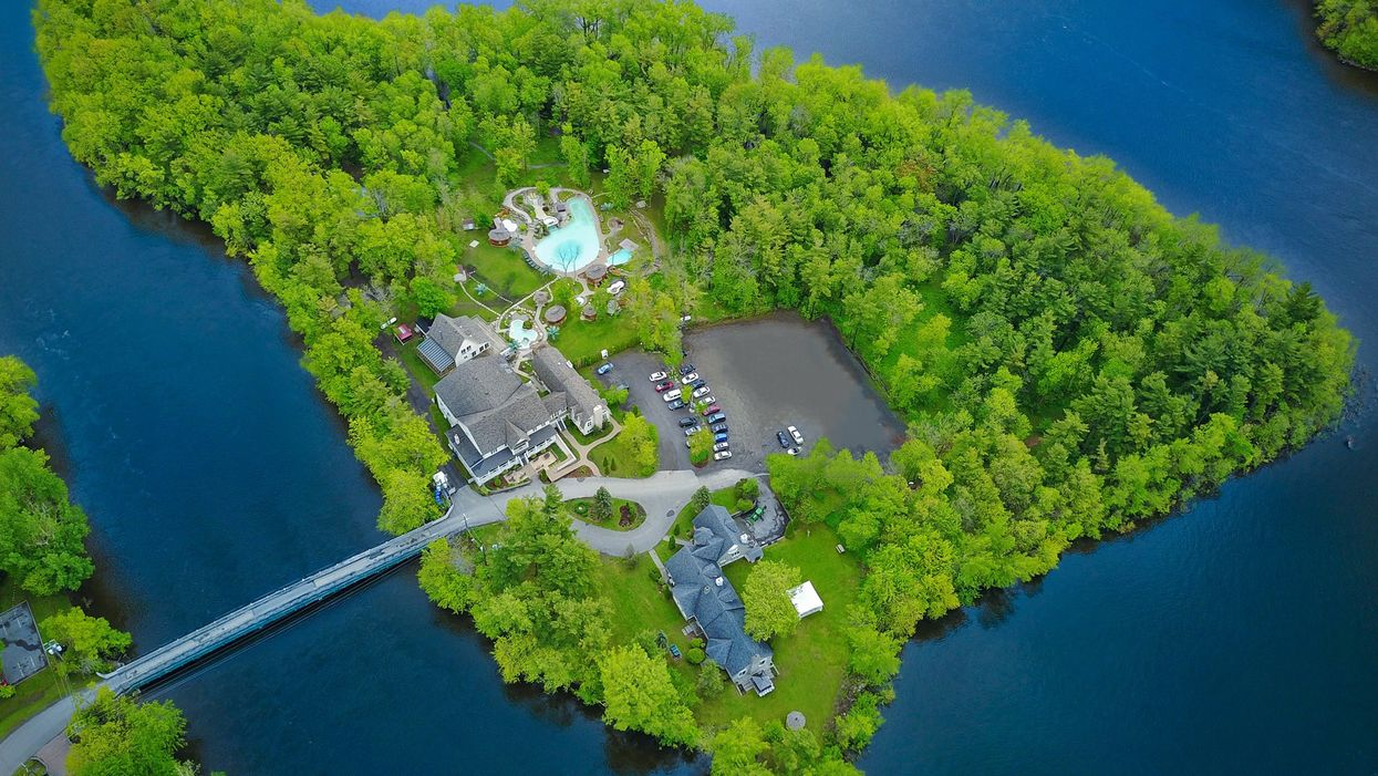 This Tropical Island Resort Is A Secluded Paradise And It's Just 30 Minutes Outside Montreal