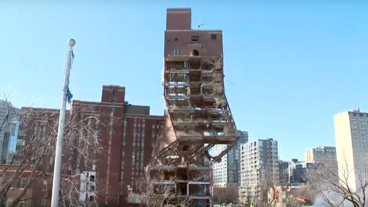 Video Showing The Montreal Children's Hospital Being Demolished