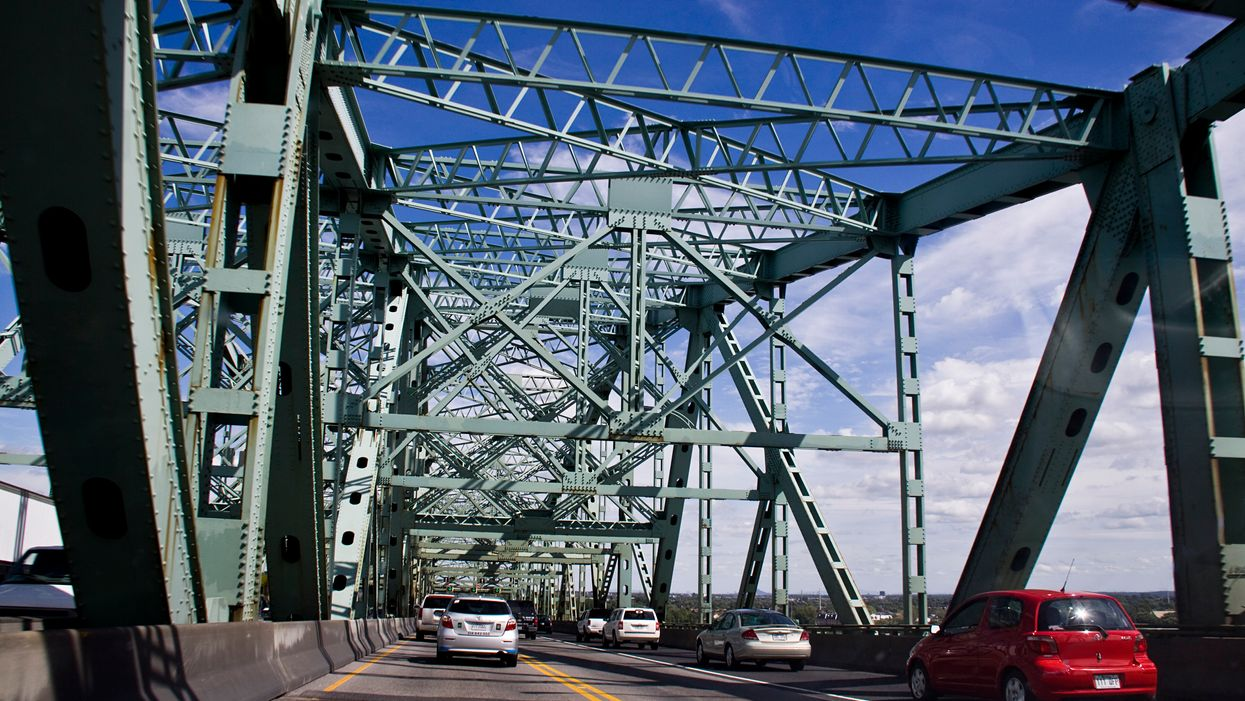 Montreal's New Champlain Bridge Is A Total Disaster