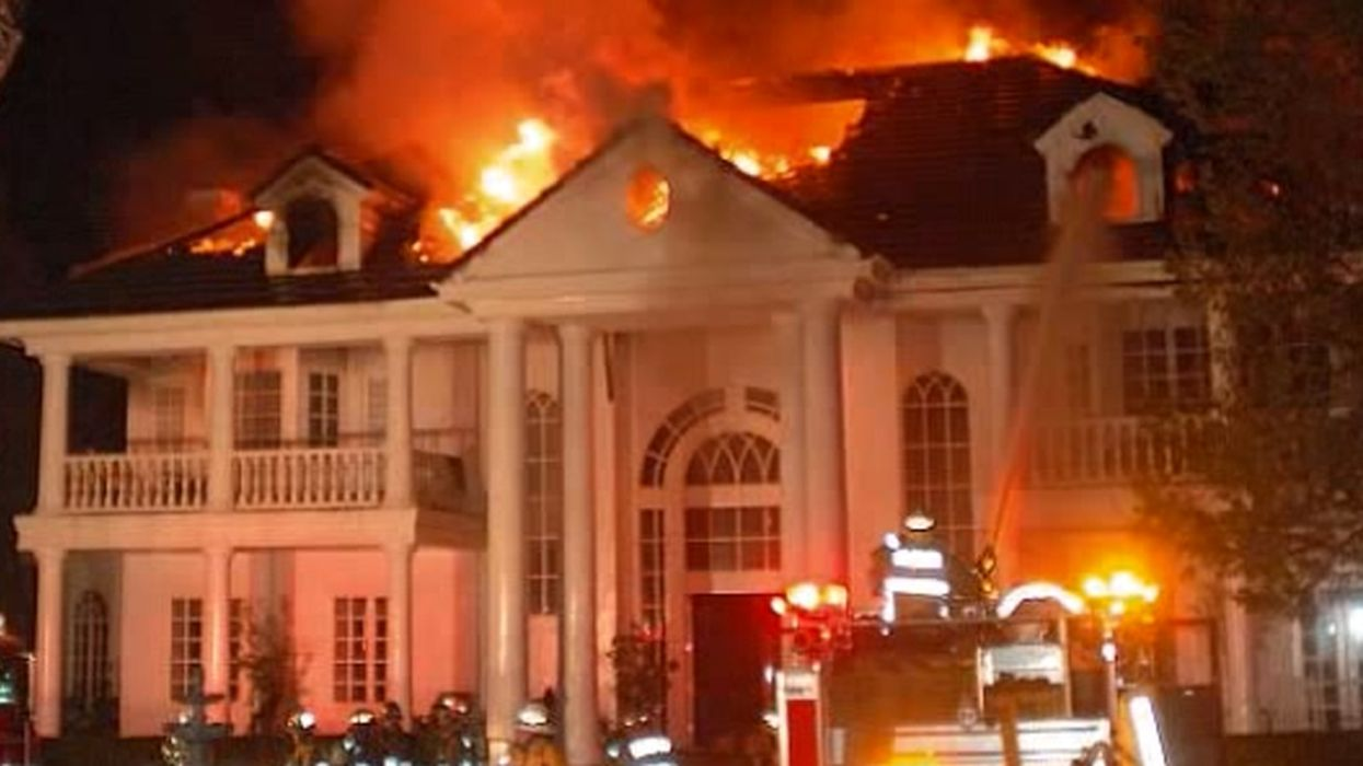 California Wildfires Are Spreading To Hollywood Celebrities' Homes