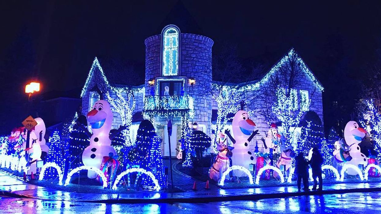 Montreal Man's Insane $50,000 Christmas House Decorations
