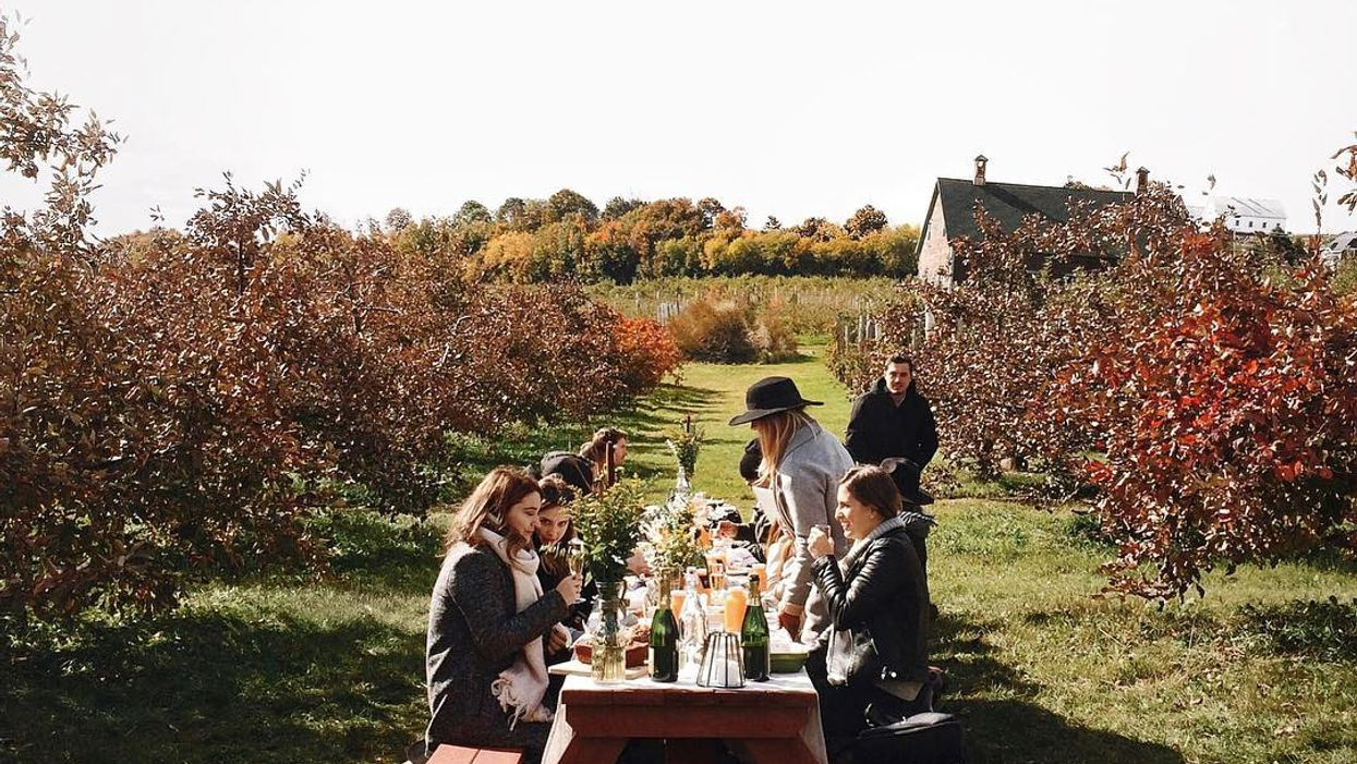 """The Charming """"Cider Mill"""" Near Montreal You Must Road Trip To This Fall"""