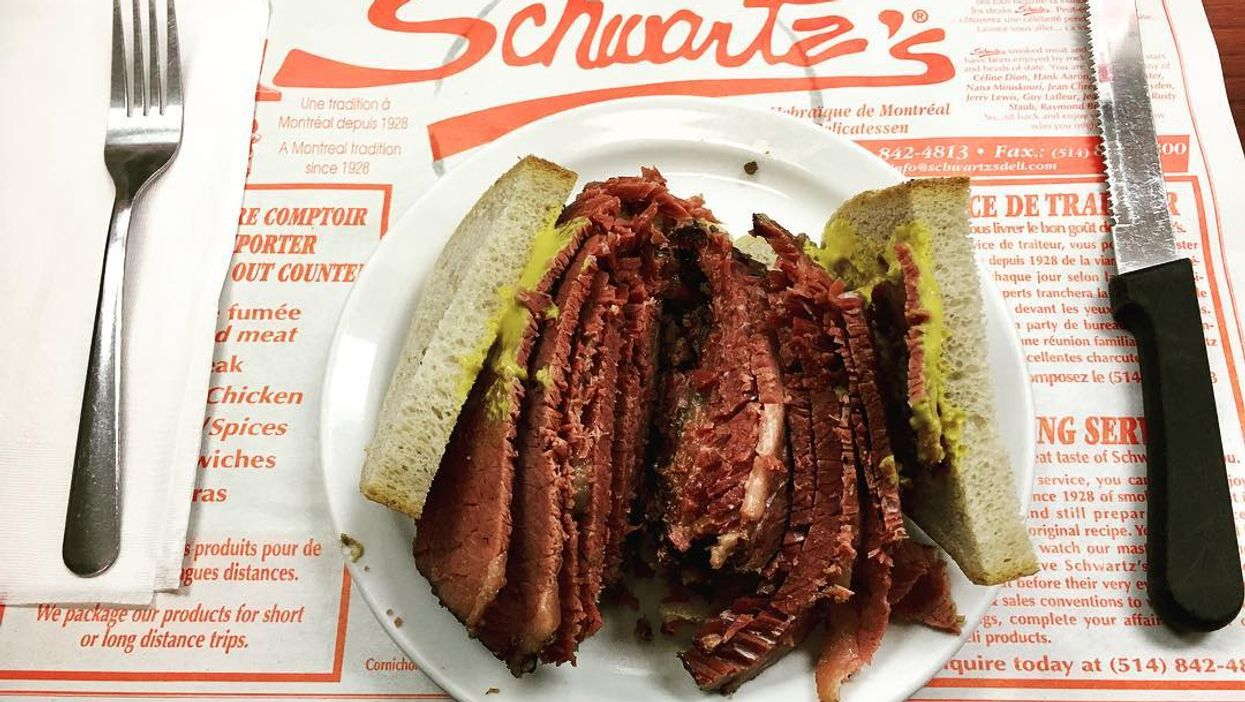"""16 Best Montreal """"Smoked Meat"""" Restaurants You Need To Try If You Haven't Already"""