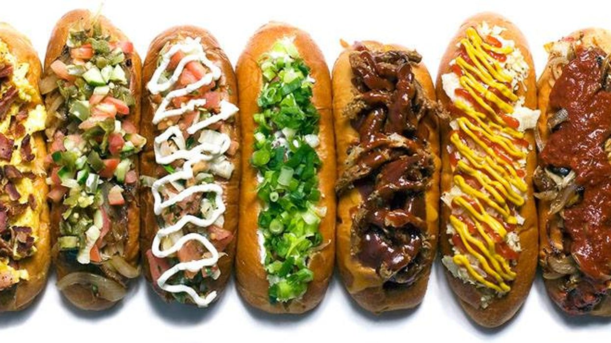 """Montreal Got An All-New """"Hot Dog Restaurant"""" And It Looks Crazy"""
