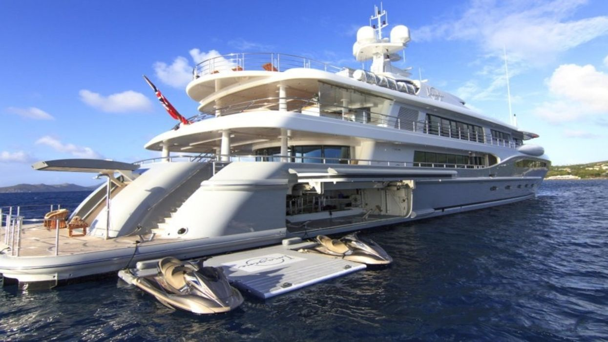 """A $75 Million """"Monaco Style Yacht"""" Is In Montreal's Old Port And You Gotta See It To Believe It"""