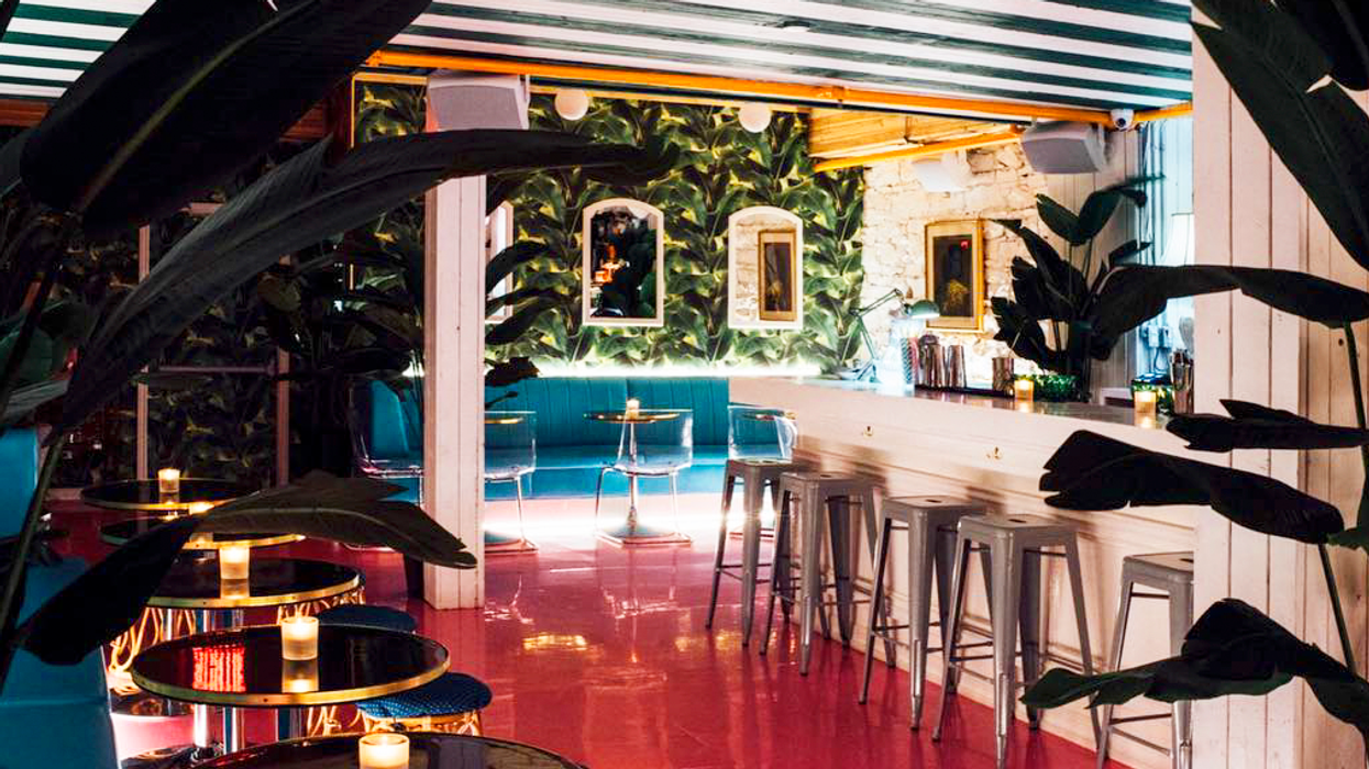 """Montreal's New """"Miami"""" Theme Cocktail Bar You Gotta Check Out ASAP"""