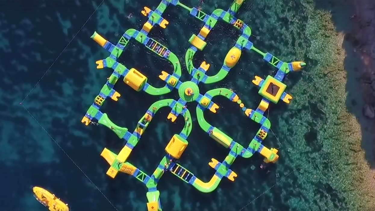 """The All-New """"On Water"""" Lake Obstacle Course Near Montreal You Must Try This Summer"""
