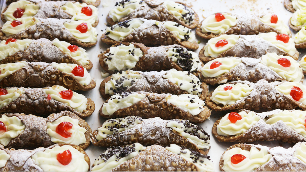 """There's A """"Cannoli Battle"""" In Montreal This Summer"""