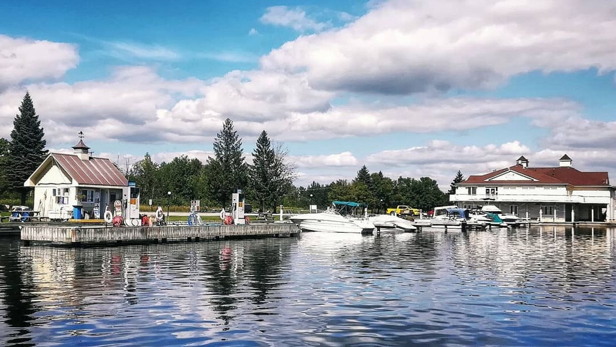 """This """"Lagoon City"""" Near Montreal Will Make You Feel Like You're In Venice"""