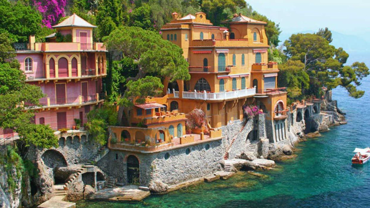 This Town In Italy Wants To Give Away Free Castles To Canadians To Move There ASAP