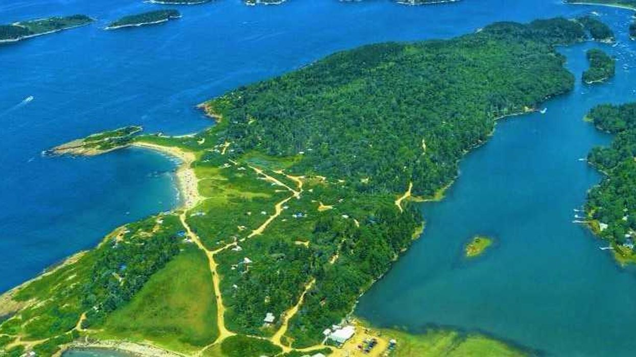 The Insane Island Close To Montreal That's Totally Worth Roadtripping To This Summer