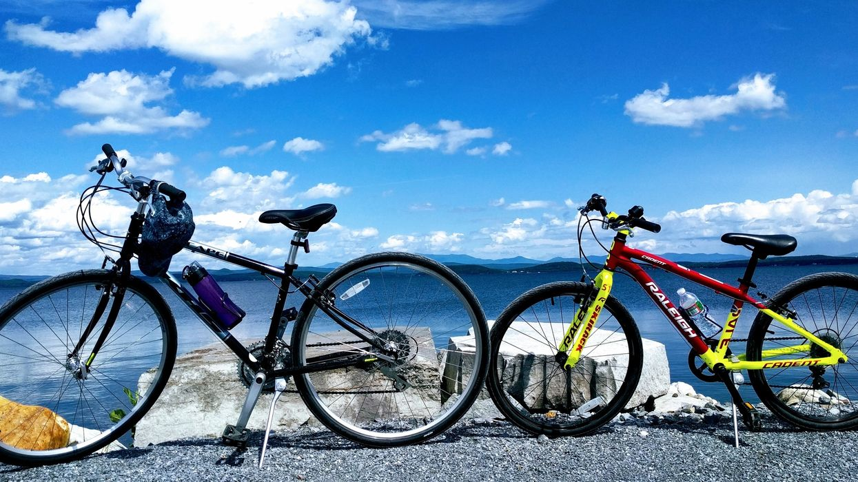 """The Insane """"On Water"""" Bike Path 2 Hours From Montreal You Absolutely Need To Conquer"""