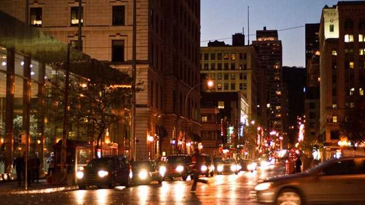 """Montreal's 2016 Downtown """"Ghost Tour"""" Lets You Discover The City's Haunted Buildings"""