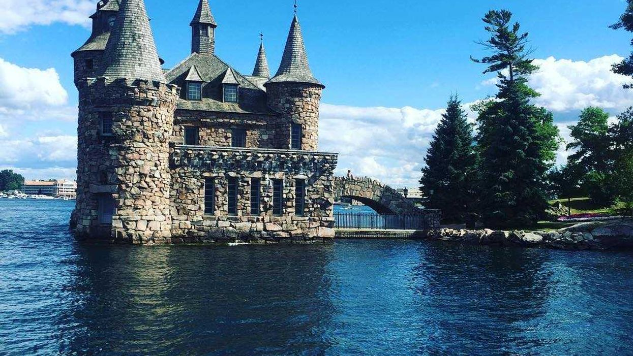 """The """"Fairytale Castle"""" Less Than 3 Hours From Montreal You Have To Go To"""