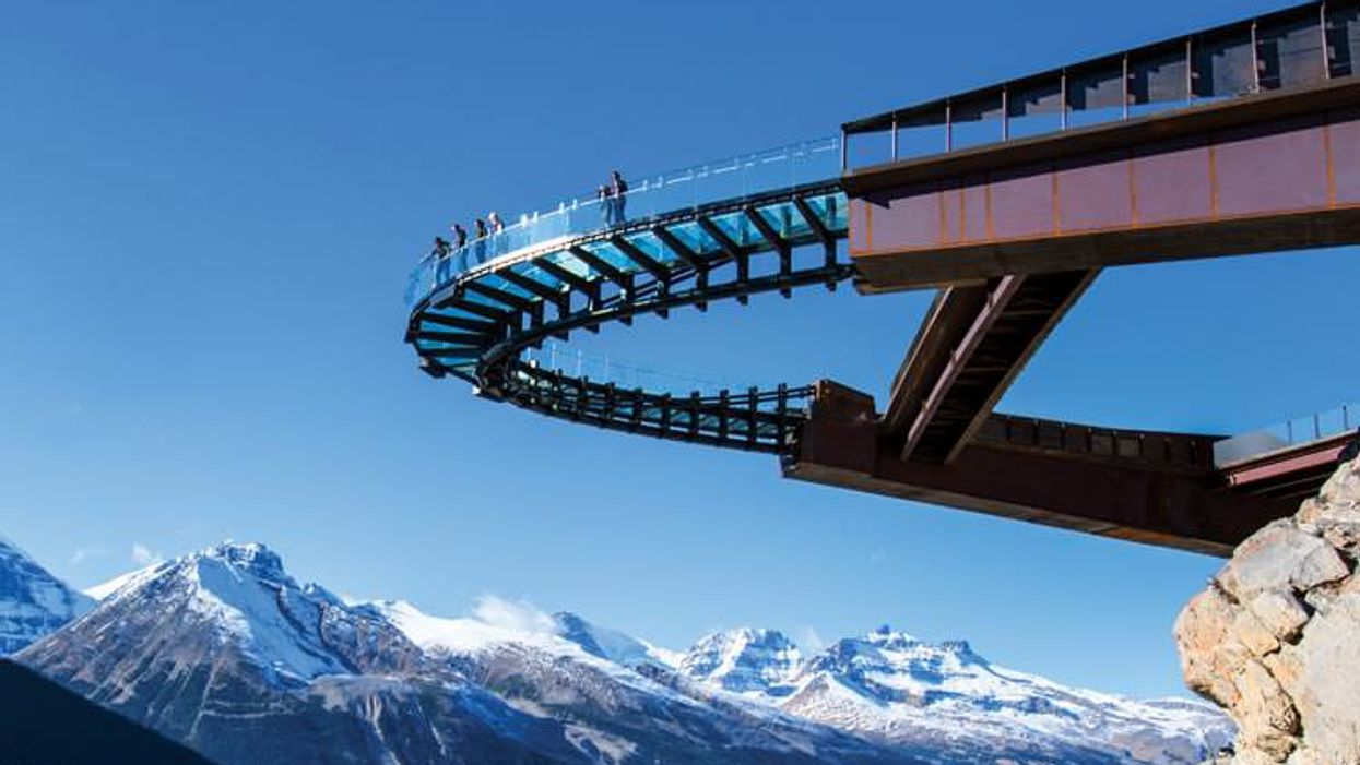 """Canada's """"Glacier Skywalk"""" Is The Most Beautiful Place In The Country"""