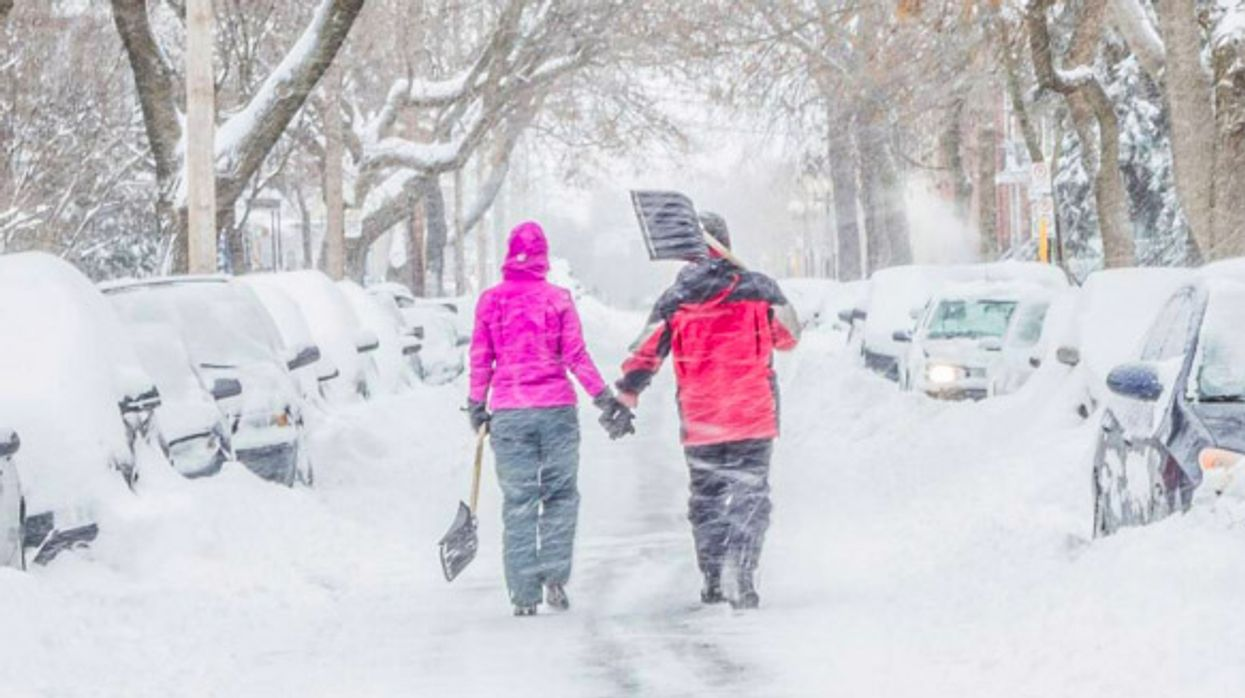 Montreal Wakes Up To An End Of Winter Snowstorm (15 photos)