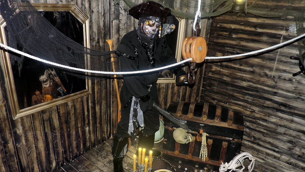 """Montreal Now Has A """"Haunted Pirate Ship"""" Escape Game"""