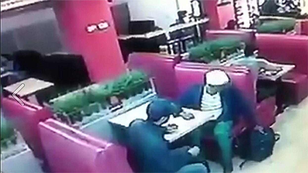 Watch Montreal Assholes Steal Man's Computer Bag At Basha On Sherbrooke
