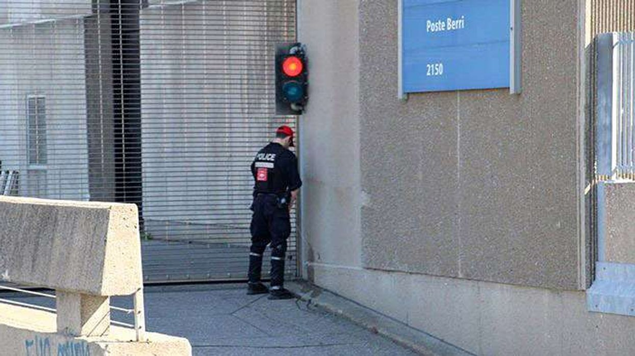 Montreal Police Officer Spotted Peeing In Public, AGAIN!!!