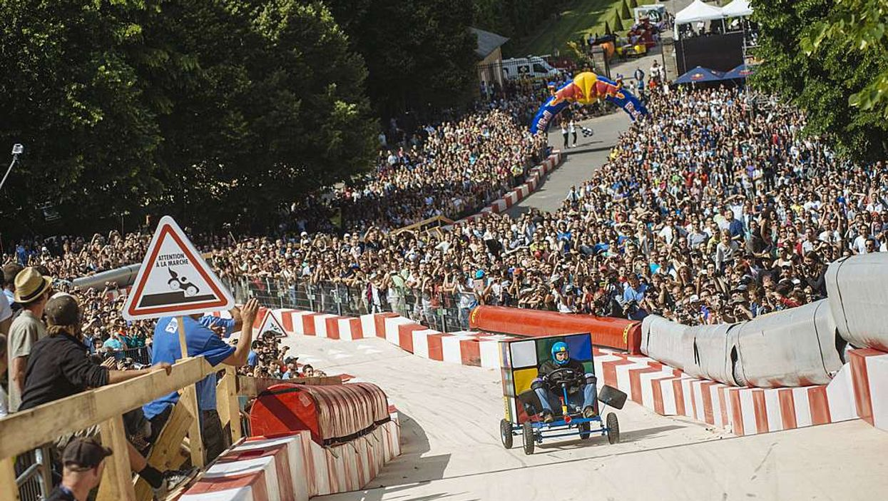 """Montreal's First-Ever """"Red Bull Soap Box Derby"""" Will Be Taking Over Square-Victoria"""