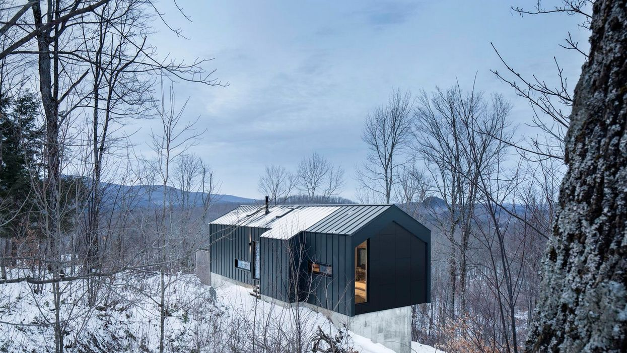 This Quebec Country Home Is The Perfect Fusion Of Nature's Beauty & Modern Design