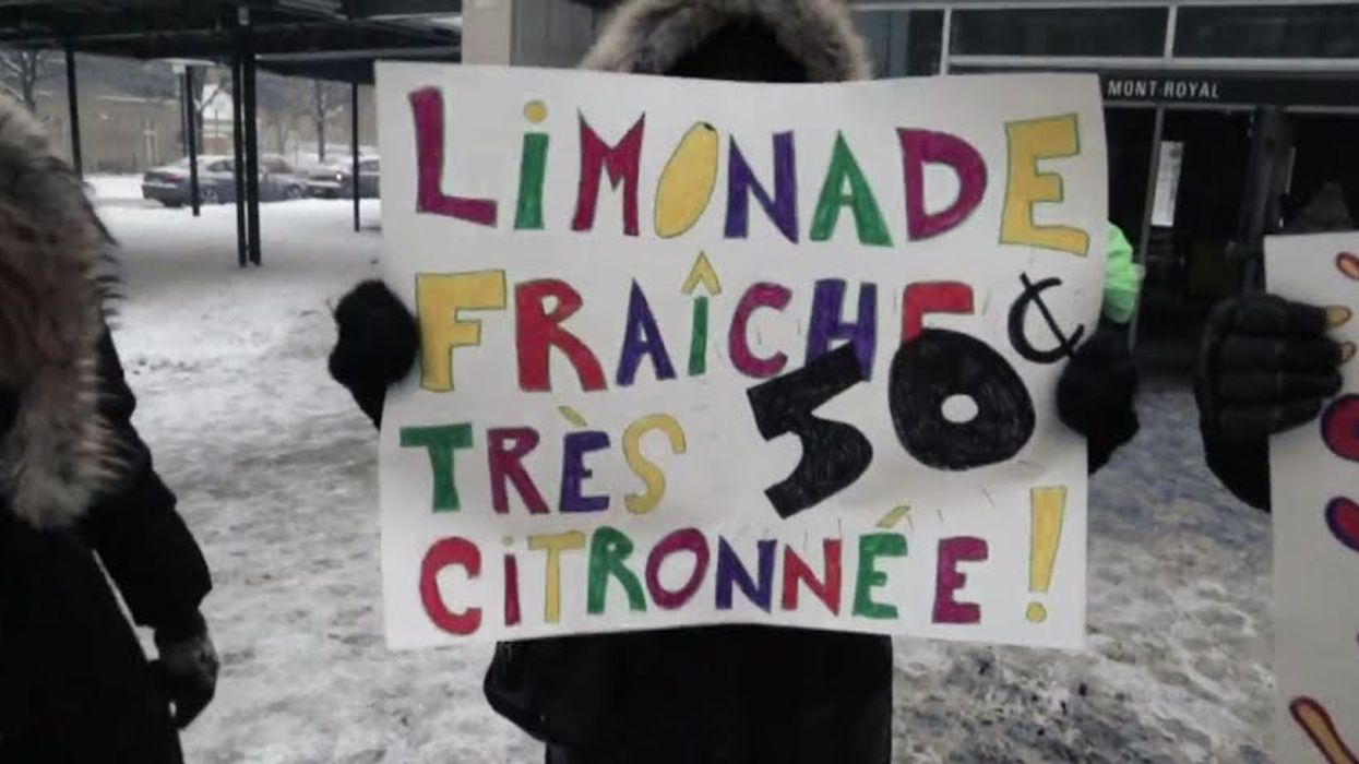 """Montrealer Sells """"Ice Cold Lemonade"""" At Mont-Royal Metro When It's -25°C Outside"""