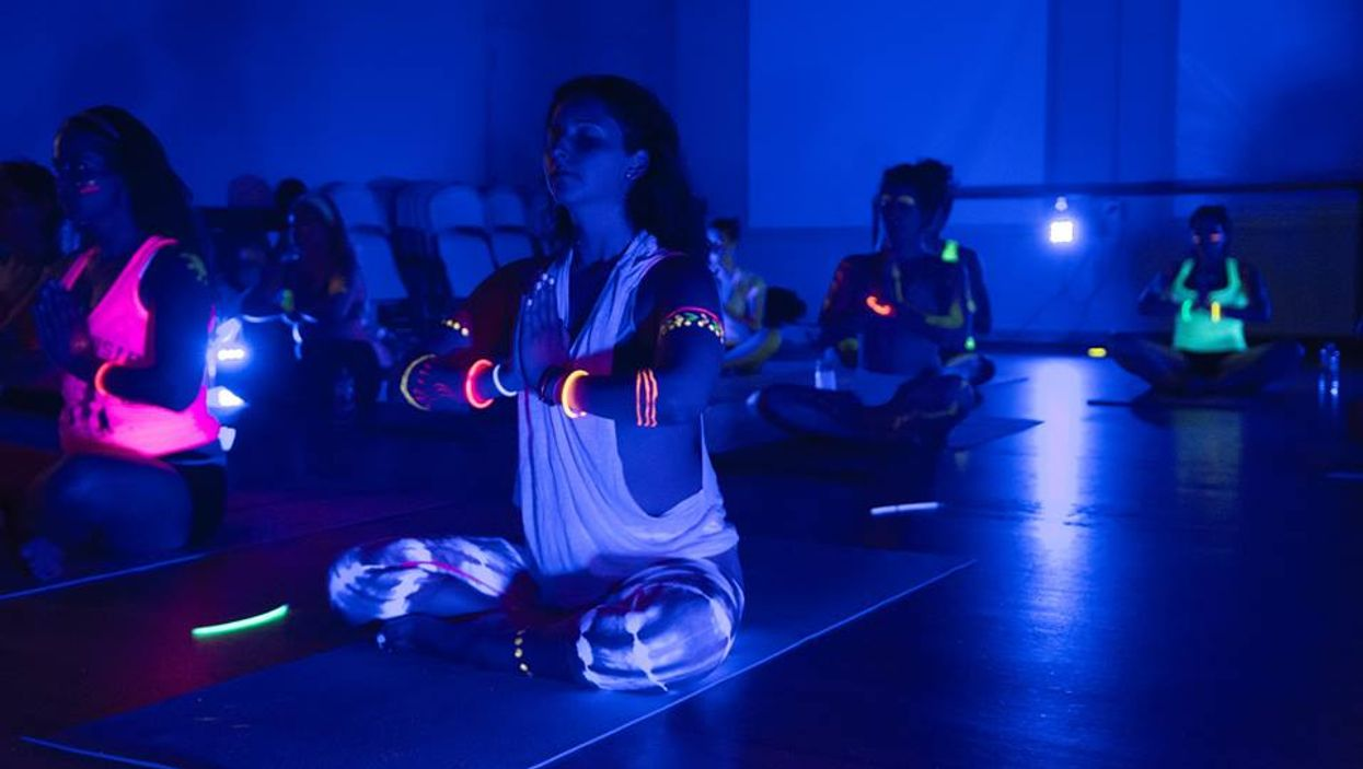 """Montreal's Mont-Royal Street Is Hosting A """"Glow Yoga Rave"""" Tomorrow Night"""