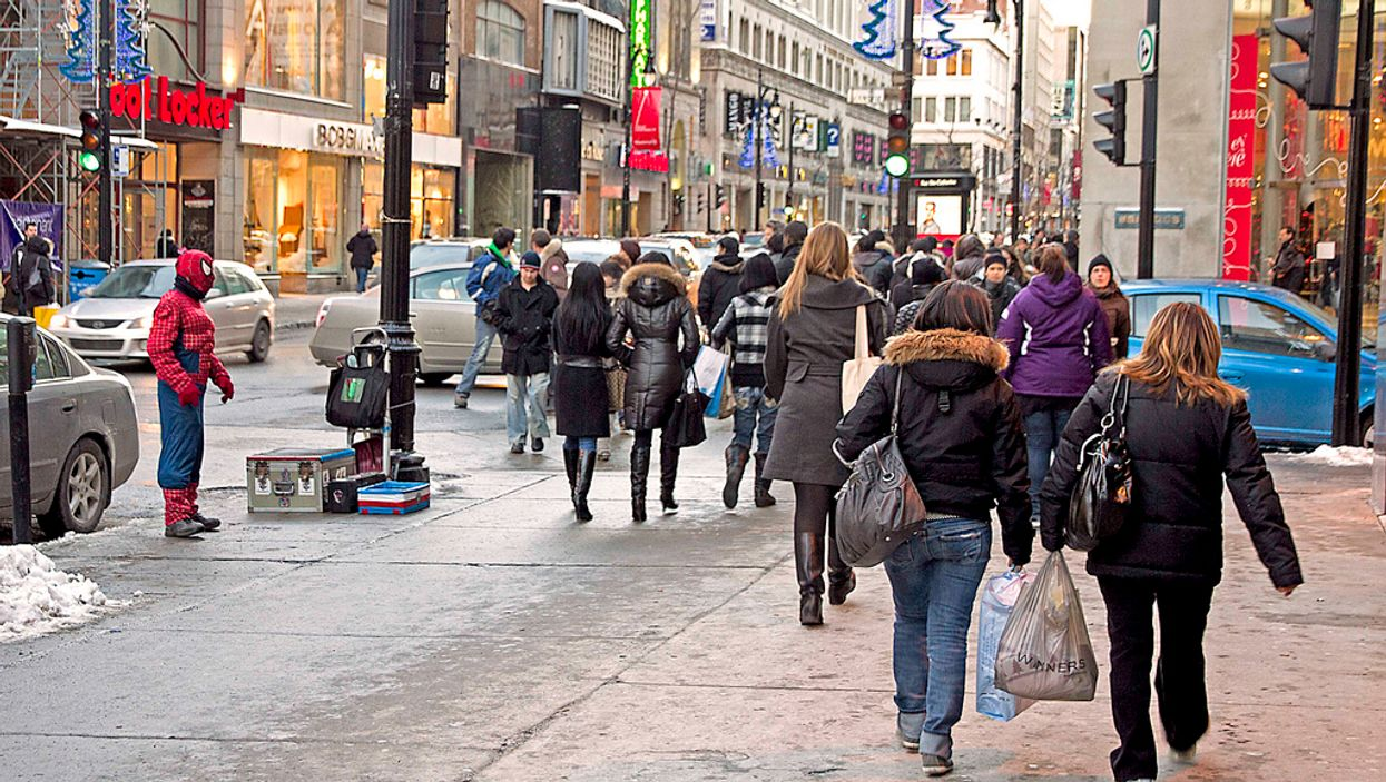 10 Things That 100% Happen To You While Christmas Shopping in Montreal