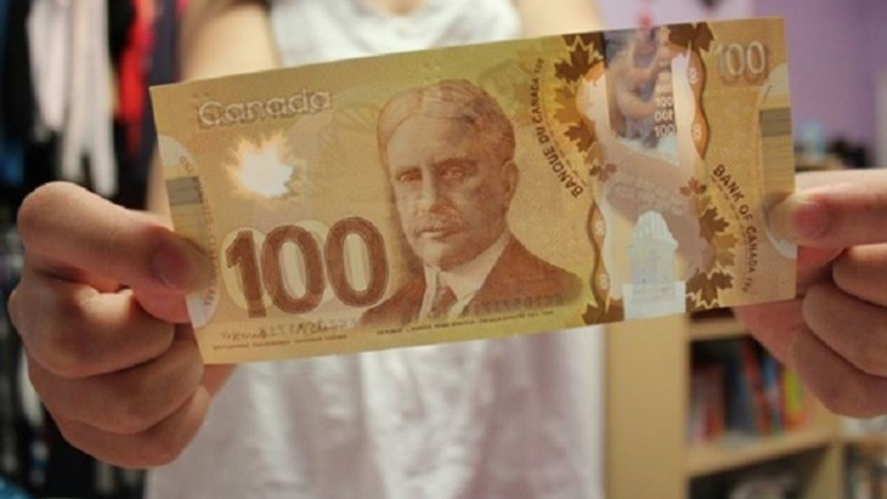 Montreal's Police Officers Are Handing Out Free $100 Bills To Montrealers At Metro Stations
