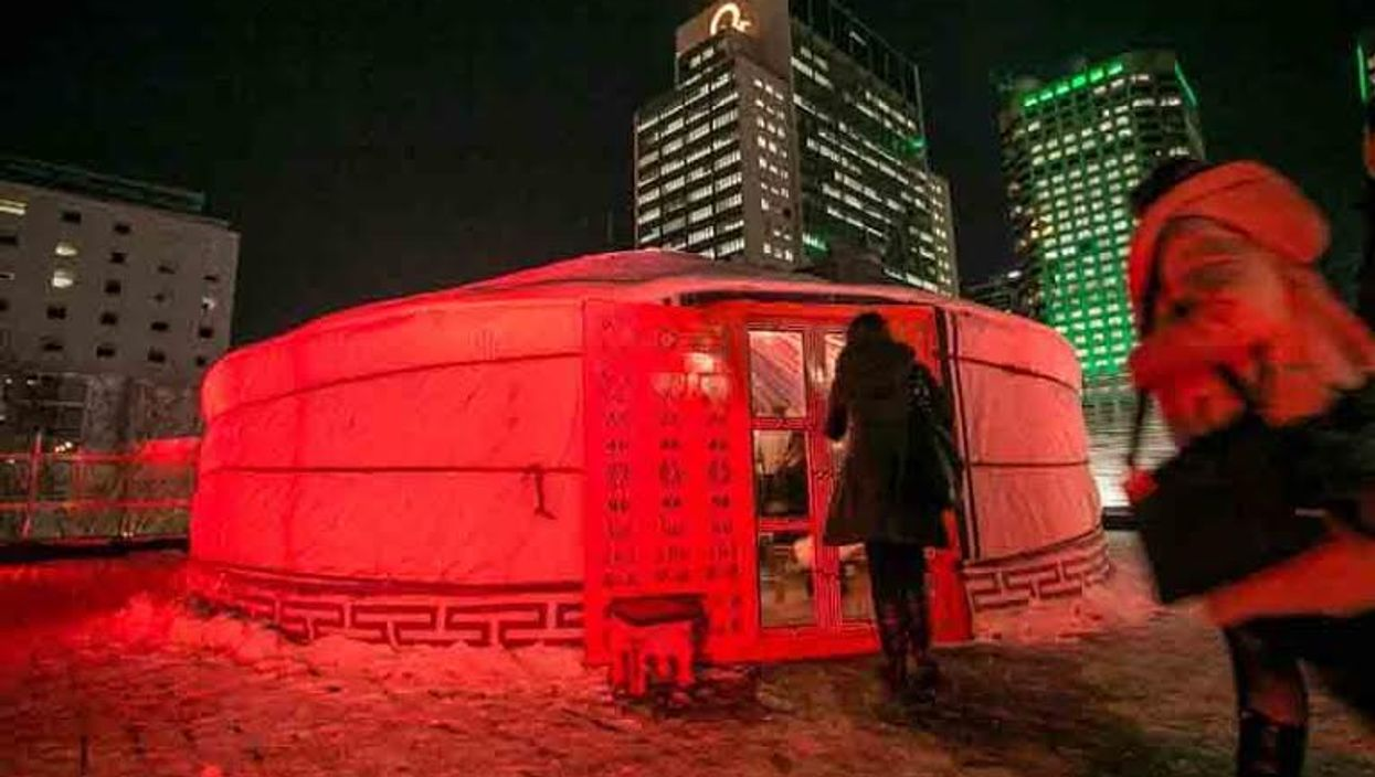 """Montreal Is Hosting Free """"Rooftop Igloo Terrasse"""" 5 à 7's At The SAT On Saint-Laurent Street"""