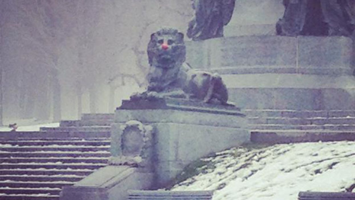 """Someone In Montreal Is Putting Red """"Clown Noses"""" On The City's Statues"""
