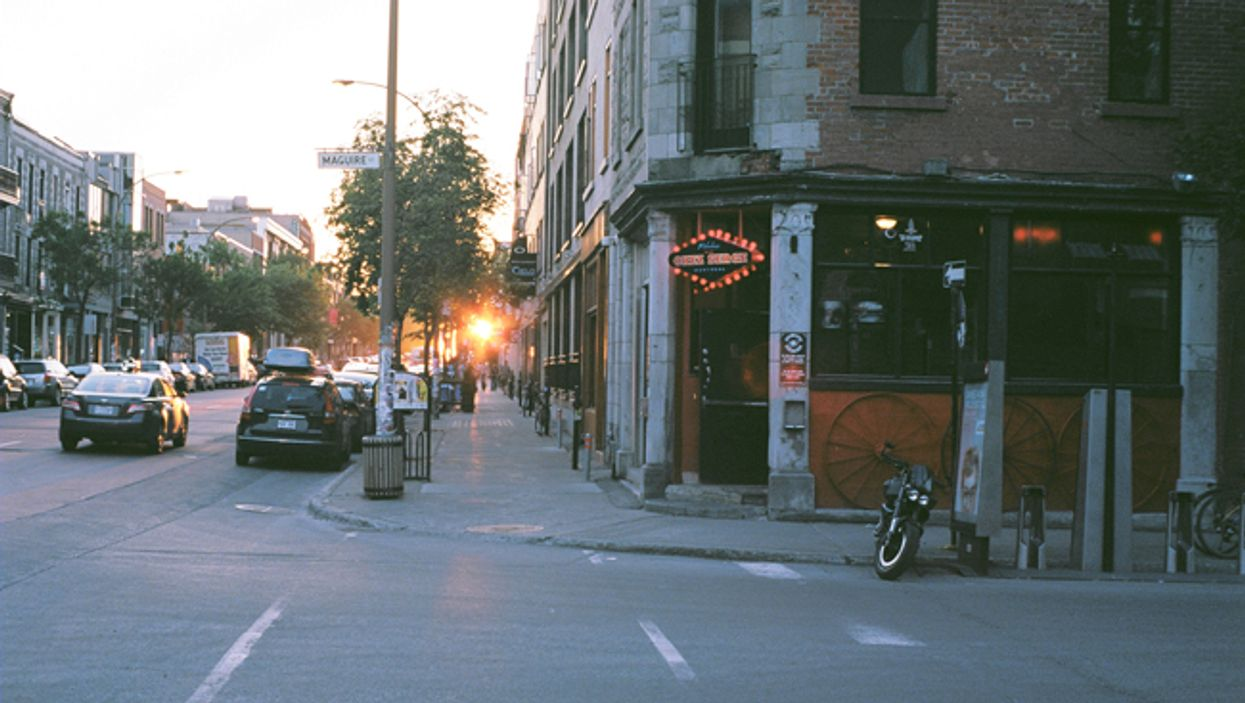 15 Great Spots To Grab A Drink With Friends In Montreal's Mile End