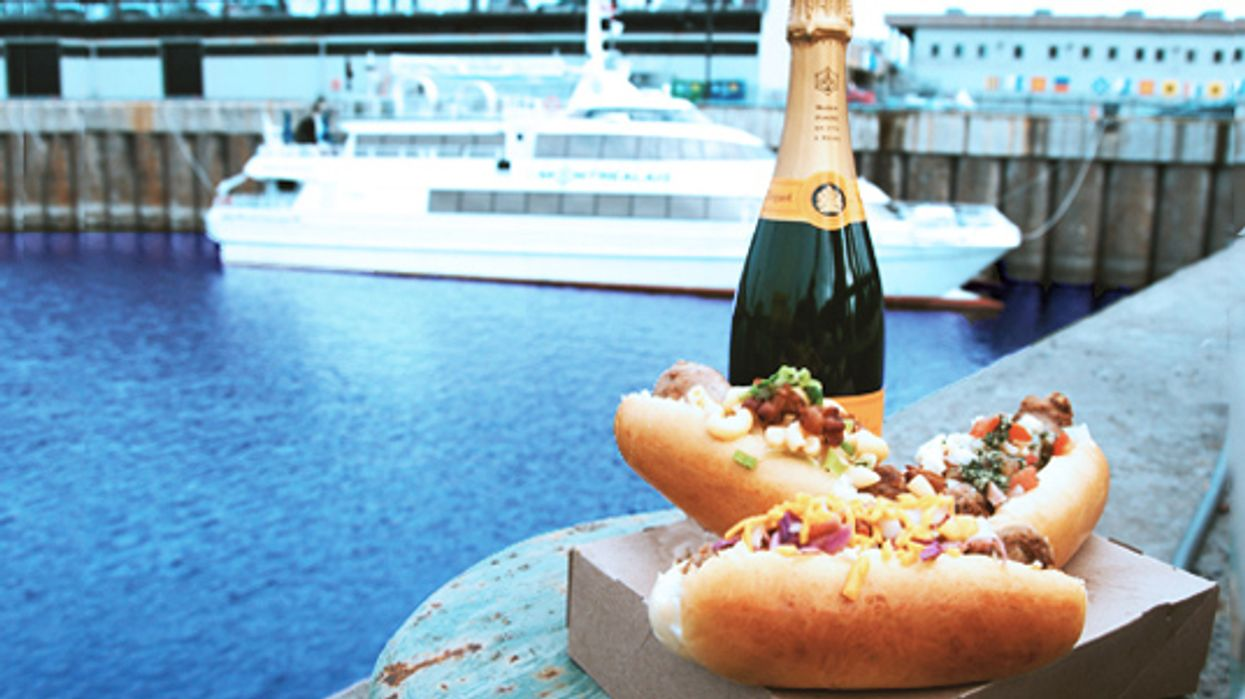Montreal's Old Port Is Hosting An Afternoon Boozy Boat Party This Weekend