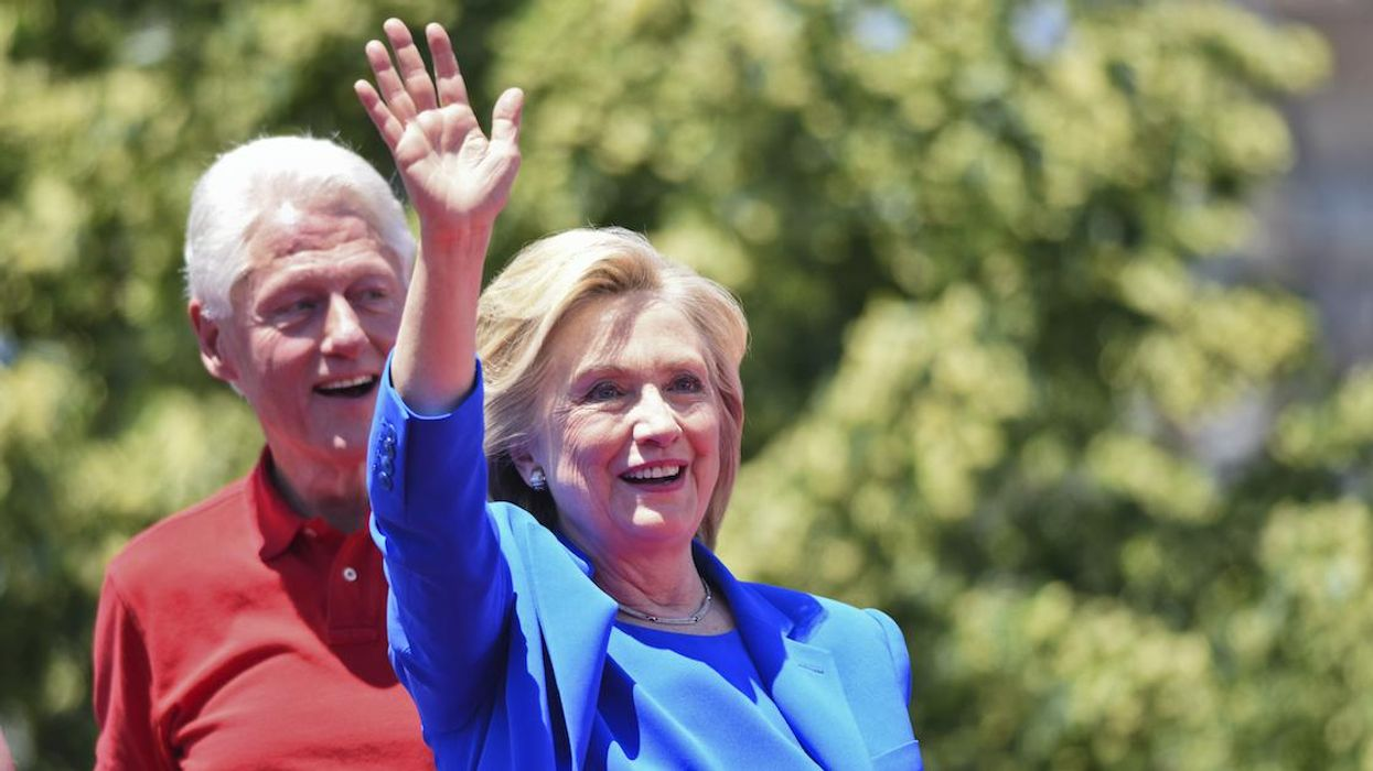 Bill & Hillary Clinton Were Spotted In A Quebec Store