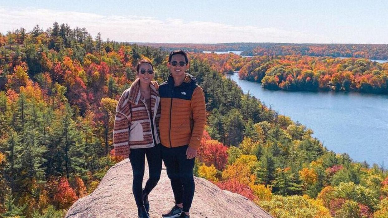 A 3-Hour Road Trip From Montreal Is Worth It For The Fall Views You See From This Big Rock